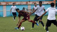 Uji coba Tira Persikabo vs PSM di Stadion Mini Cibinong (16/2/2020). (Bola.com/Abdi Satria)
