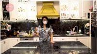 Menengok Dapur Nindy Ayunda yang Mewah dan Bergaya Klasik. foto: Youtube 'Nindy Ayunda'