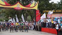Etape II Tour de Singkarak 2018 menempuh rute Lapangan Segitiga Kota Sawahlunto dan finis di depan Kantor Bupati Dharmasraya, Senin (5/11/2018). (dok. Tour de Singkarak 2018)