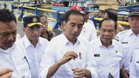 Jokowi saat kunjungan kerjanya ke Bitung sekaligus melihat perkembangan lokasi KEK.