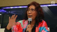 Menteri KKP Susi Pudjiastuti menjelaskan penangkapan kapal buronan interpol, Jakarta, Sabtu (7/4). Susi mengatakan Satgas 115 mendapatkan permintaan resmi dari Interpol melalui NBC Indonesia untuk memeriksa kapal STS-50. (Liputan6.com/Angga Yuniar)