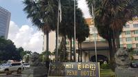 Hotel Phnom Penh, Kamboja, menjadi tempat Timnas Indonesia U-22 menginap selama tampil di Piala AFF 2019. (Bola.com/Zulfirdaus Harahap)