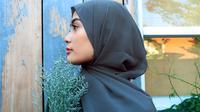 Ilustrasi perempuan berhijab. (dok. pexels.com/Ambar Simpang)