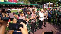 Panglima TNI Marsekal Hadi Tjahjanto dan Kapolri Jenderal Idham Azis pimpin langsung apel gelar pasukan untuk pengamanan Natal 2019 dan Tahun Baru 2020