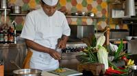 Ingin belajar memasak? Jala Cooking Academy dari Four Seasons akan mengisi aktivitas berlibur kamu menjadi lebih kaya dan bermanfaat. (Foto: Four Seasons)