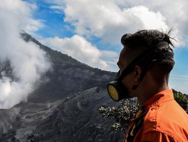 Suasana Gunung Tangkuban Parahu Sehari Setelah Erupsi