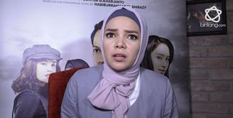 Dewi Sandra menceritakan saat wajahnya terlihat menderita setelah di make up protestik.