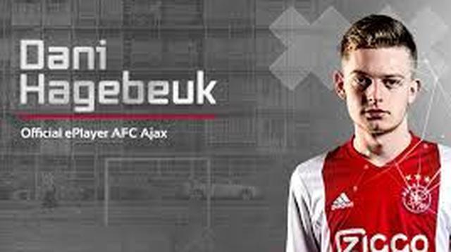 Dani Hagebeuk, dinilai memiliki karateristik permainan mirip Ajax di dunia nyataa.