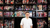 Kecintaannya terhadap boneka membuat Jian Yang rela untuk mengoleksi hingga mencapai sembilan ribu boneka.