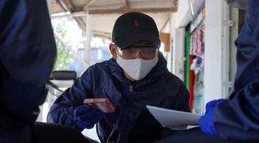 Bea Cukai Madura Monitoring Harga Transaksi Pasar Rokok Hingga ke Pelosok Daerah