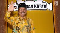 Ketua DPD partai Golkar Dedi Mulyadi berpose untuk fotografer seusai menghadiri rapat internal pimpinan DPD Golkar Provinsi di Jakarta, Senin (20/11). Rapat digelar usai Ketua Umum Setya Novanto resmi menjadi tahanan KPK. (Liputan6.com/Angga Yuniar)