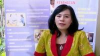 Tahun 2004, Dokter Sari mendirikan Yayasan Rama Sesana demi memberikan pengetahuan cukup tentang kesehatan reproduksi.