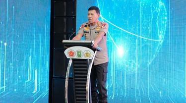 Kapolri Jenderal Idham Aziz ketika memberikan arahan saat peluncuran aplikasi Lancang Kuning Nusantara di Pekanbaru.