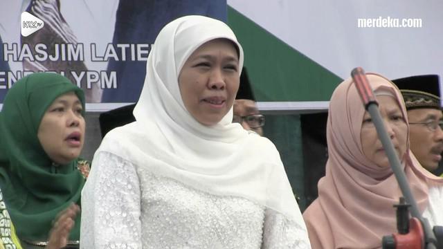Khofifah Indar Parawansa membantah kabar dirinya berpindah mendukung pasangan Prabowo dan Sandiaga Uno.