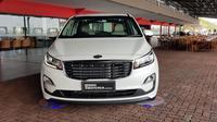 KIA Grand Sedona diesel meluncur di Indonesia. (Herdi Muhardi)