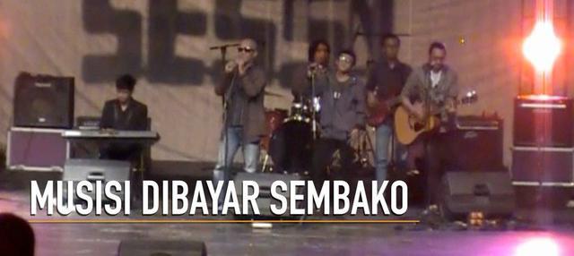 Sebuah konser musik digelar di Yogyakarta menyambut Hari Musik Nasional. Pengunjung yang ingin menonton diwajibkan membawa sembako untuk disumbangkan.