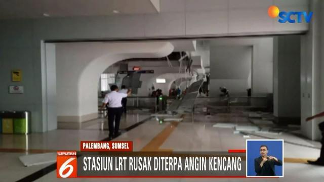 Sejumlah warga mengaku kecewa dan berharap stasiun segera diperbaiki.