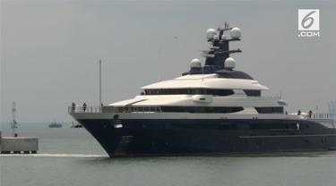 Kapal pesiar terkait skandal korupsi di perusahaan 1MDB tiba di Malaysia. Bernilai sekitar 250 juta dolar AS kapal ini memiliki beragam fasilitas mewah.