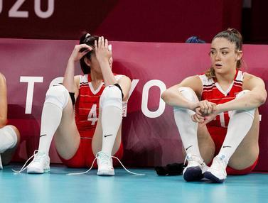 Foto: Kekecewaan Tim Voli Putri Turki Usai Disingkirkan Korea Selatan, Zehra Gunez Tetap Mempesona