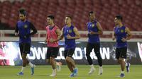 Pemain Timnas Malaysia saat latihan jelang laga kualifikasi Piala Dunia di SUGBK, Jakarta, Rabu (4/9). Malaysia akan berhadapan dengan Indonesia. (Bola.com/M Iqbal Ichsan)