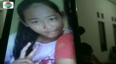 Melintas di jalur kereta api tanpa palang pintu, dua pelajar SD di Subang, Jawa Barat, tewas seketika usai tersambar Kereta Api Argo Parahiangan arah Jakarta menuju Cirebon.