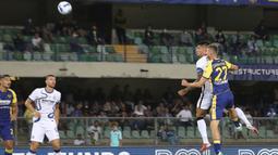 Inter Milan baru saja kedatangan striker baru, Joaquin Correa dari Lazio, dan langsung menjalani laga debutnya kala menghadapi Verona pada pekan kedua. Hebatnya, striker asal Argentina itu langsung berikan dampak signifikan dengan mencetak brace di laga tersebut. (Foto: AP/LaPresse/Paola Garbuio)