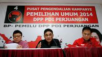 Di Jakarta, (17/8/2014), Ketua DPP PDI-P, Andreas Parera (tengah), memberikan keterangan perihal pelaksanaan Rakernas yang akan berlangsung di Semarang pada 19-21 September 2014 mendatang. (Liputan6.com/Helmi Fithriansyah)