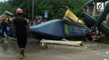 Sebuah helikopter jatuh di kawasan industri Sulawesi Tengah.