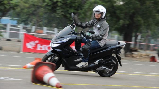 Daftar Biaya Servis Honda Pcx 150 Dan Cbr250rr Mahal Otomotif Liputan6 Com