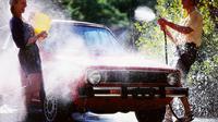 Beberapa tips dan langkah agar kendaraan Anda tercuci dengan aman dan maksimal.