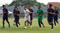 Madura United saat sesi latihan. (Bola.com/Aditya Wany)