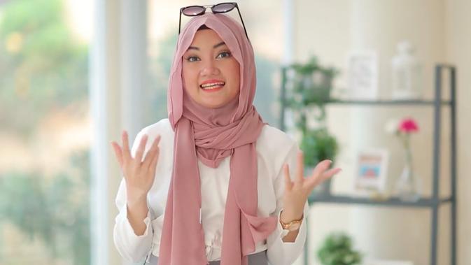 Cara Memakai Hijab Pashmina Simpel Dan Modis Untuk Pemula Bikin Kamu Tetap Kekinian Lifestyle Liputan6 Com