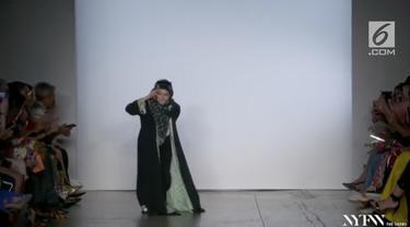 Siapa yang tidak kenal dengan gelaran fashion bergengsi dunia, New York Fashion Week (NYFW). Sebuah prestasi bagi desainer dapat membawa koleksinya melenggang di panggung ini. Salah satunya desainer asal Indonesia, Vivi Zubedi.