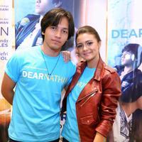 Jefri Nichol dan Amanda Rawles, pemain film Dear Nathan: Hello Salma