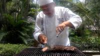 Grilled Australian Marble Beef Tenderloin menjadi salah satu dari 30 menu a la carte yang diluncurkan Hotel Melia Purosani. (Liputan6.com/ Switzy Sabandar)