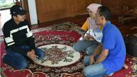 Tak KB, Keluarga 4 Anak Ditahan RS di Purwakarta. (Liputan6.com/Abramena)