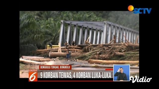 Banjir dan longsor terjadi di Bengkulu Tengah akibat tingginya intensitas hujan. Sembilan orang meninggal dunia dalam peristiwa tersebut.