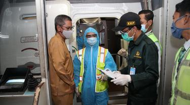 Pekerja Oil Company dari Vietnam Jalani Protokol Kesehatan usai Mendarat