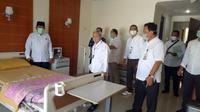 Ruang isolasi virus Corona atau Covid-19 di Asrama Haji Pondok Gede Jakarta. (Foto: Dokumentasi Kementerian Agama)
