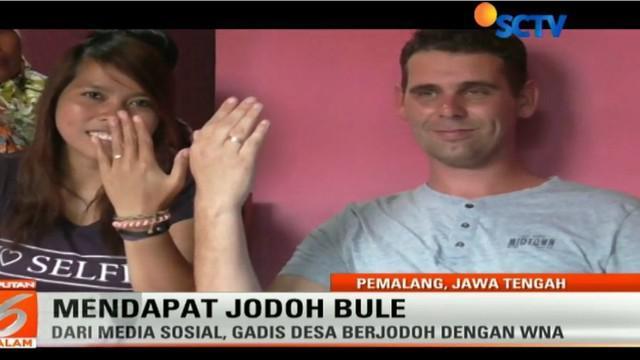 Kisah gadis desa yang dipersunting bule ini pun menjadi viral. Apalagi sang calon suami sudah memutuskan untuk memeluk agama islam.