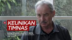 Berita video mengenang wawancara Bola.com dengan Alfred Riedl, yang pernah membahas singkat soal keunikan dari Timnas Indonesia dibanding negara lainnya pada 2016.