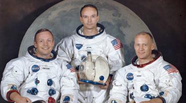 (dari kiri ke kanan) Buzz Aldrin, Neil Armstrong, dan Michael Collins; para astronaut misi Apollo 11 yang dikenal sebagai misi pendaratan manusia pertama di Bulan (AP PHOTO)