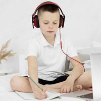 Ilustrasi Sekolah Secara Online Credit: pexels.com/pixabay