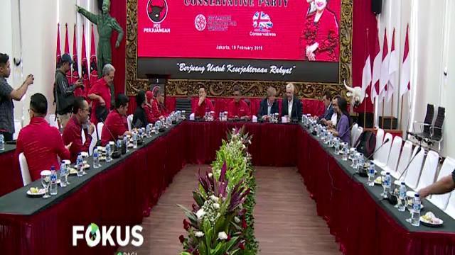 Politisi PDI P Budiman Sudjatmiko mengatakan dalam pertemuan itu diantaranya dibahas soal kerja sama antarpartai.