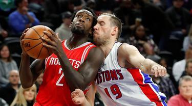 Houston Rockets berjaya di markas Detroit Pistons, 99-96, dalam laga babak reguler NBA 2016-2017 di The Palace of Auburn Hills, Michigan, Selasa (22/11/2016) WIB. (AP Photo/Paul Sancya)