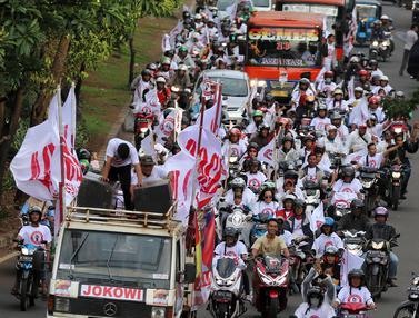 Konvoi Pendukung Jokowi Menuju Lokasi Debat Capres