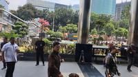 Mendagri Tjahjo dan Mensos Agus Gumiwang menyambangi gedung KPK. (Liputan6.com/Nanda Perdana Putra)