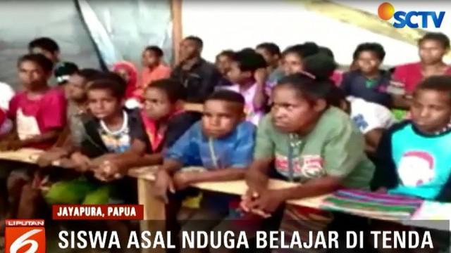 Anggota Komisi V DPR Papua, Yohanis Romsumbre, meminta kepada Pemerintah Daerah Nduga agar segera mengambil tindakan.