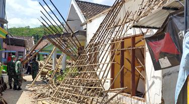Keluhan Warga Soal Penanganan Pasca Bencana Gempa Di Malang
