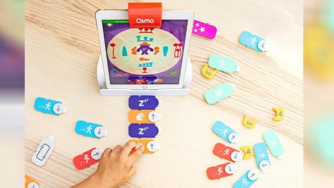 Coding Starter Kit, salah satu perangkat gim Osmo yang mengintegrasikan teknologi AI dengan perangkat permainan fisik. (Doc: Osmo)